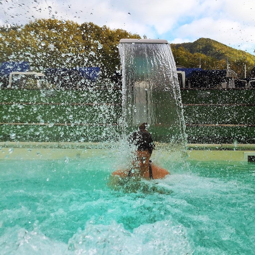 oltre allalbergo anche ristornare e centro benessere della figlia gaia con piscina termale allaperto con acqua calda