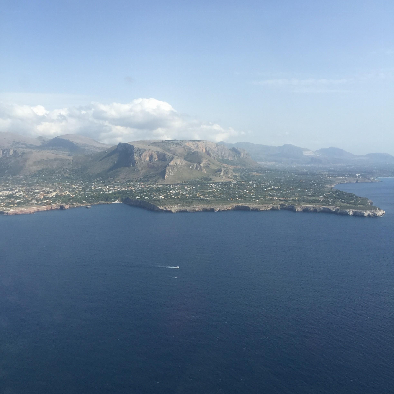 L'atterraggio a Palermo